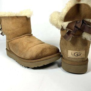UGG Mini Bailey Bow Boots Women's Size 6 Chestnut